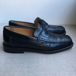 Bruno Magli US 7.5 Black Leather Classic Loafers